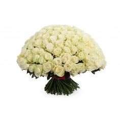 Белая роза 101 цветок